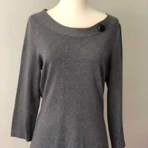 BR Sweater with black button detail